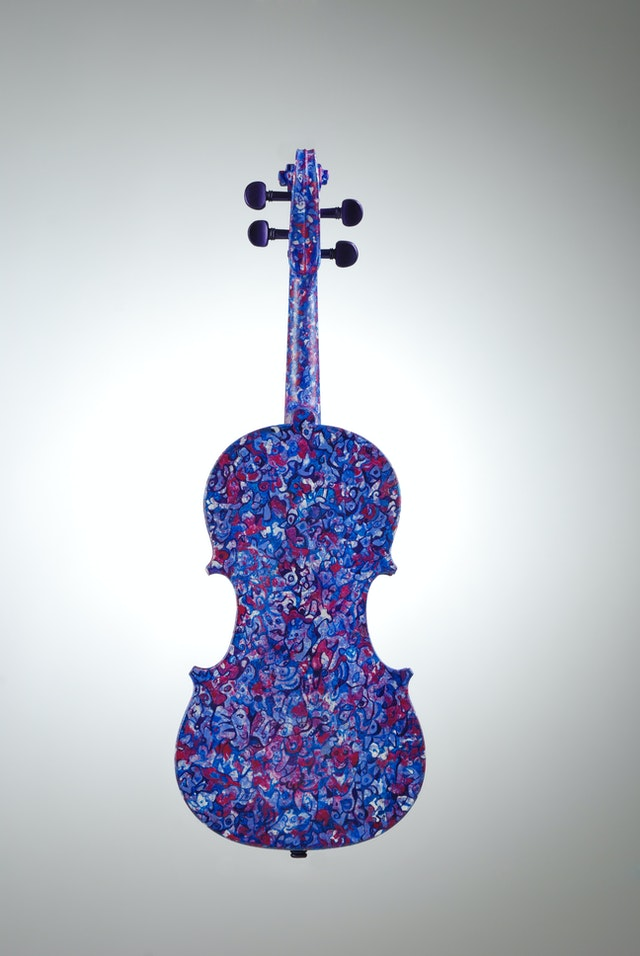 "Violin ""Lilac"", painted by Elena Birkenwald in 2006"