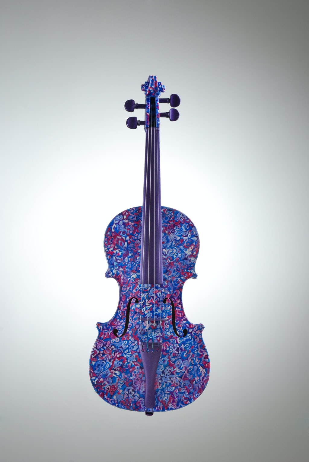 """Violin """"Lilac"""", painted by Elena Birkenwald in 2006"""