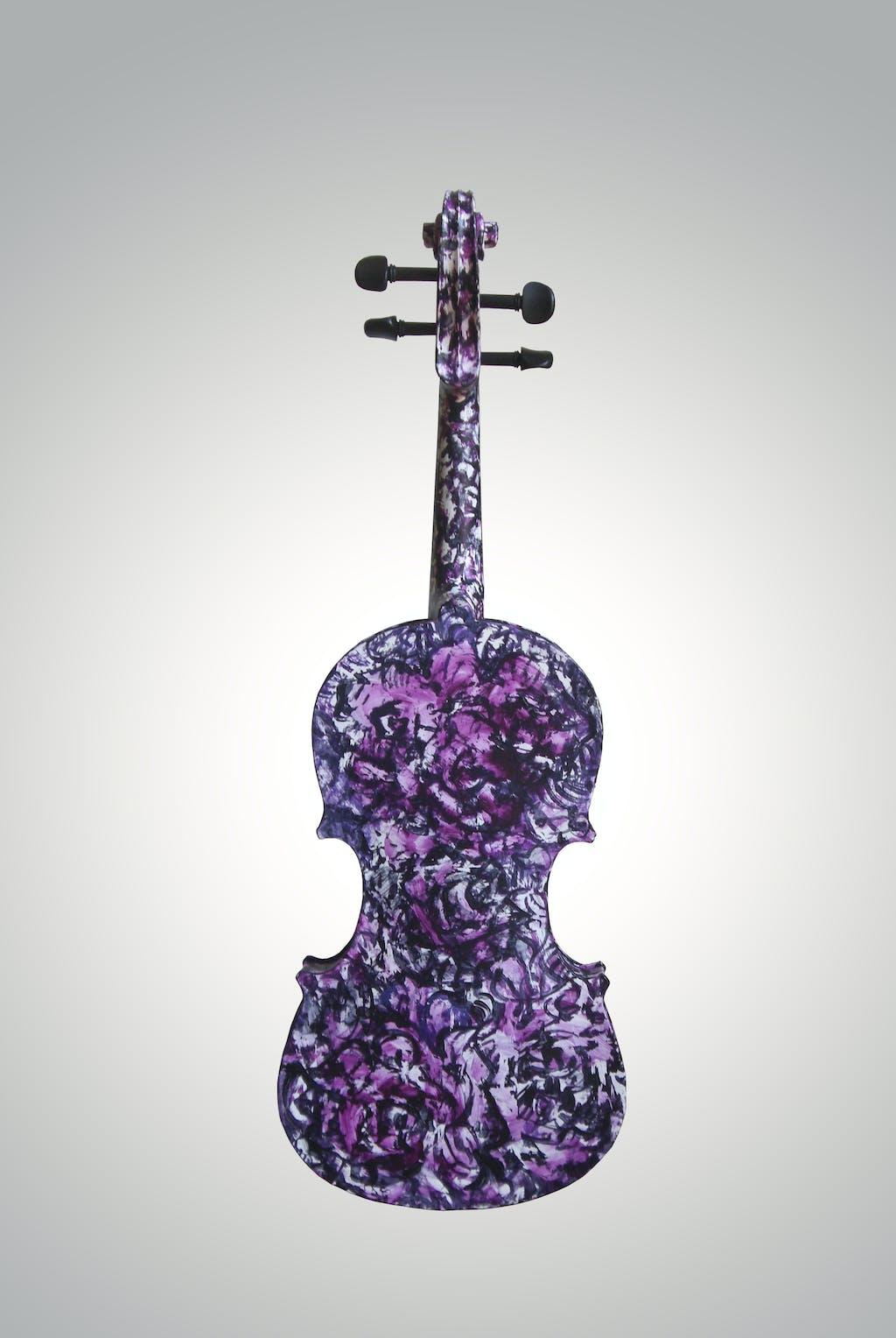 "Violin ""Magdalene's rose"", painted by Elena Birkenwald in 2009"