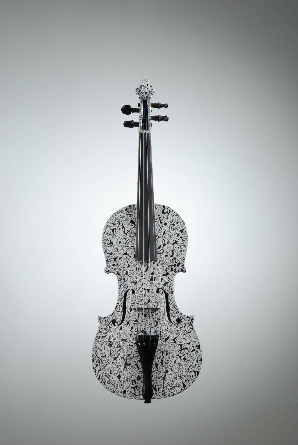 "Violin ""Winter"", painted by Elena Birkenwald in 2005"